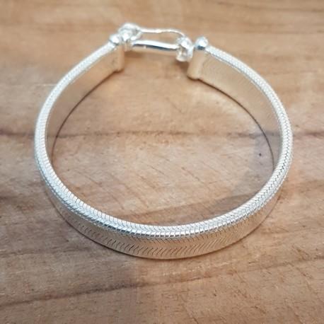 Bracelet plat en argent 925 .